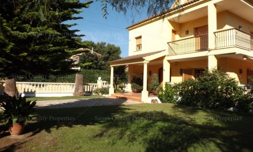 <span>For Sale: </span>5 Bed Villa Sitges,