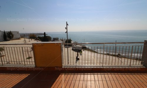 <span>For Sale: </span>3 Bed Front line Apartment Sitges, San Sebastian,